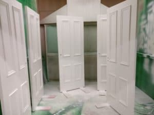 spray finishing doors
